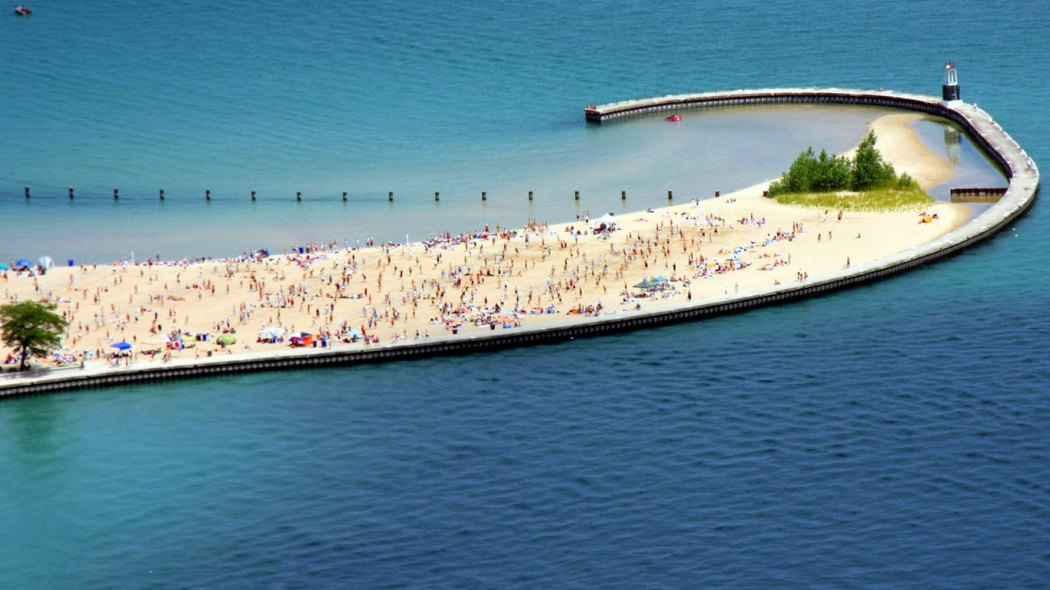 north-avenue-beach-lake-michigan-chicago